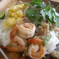 海老と挽肉のタイご飯