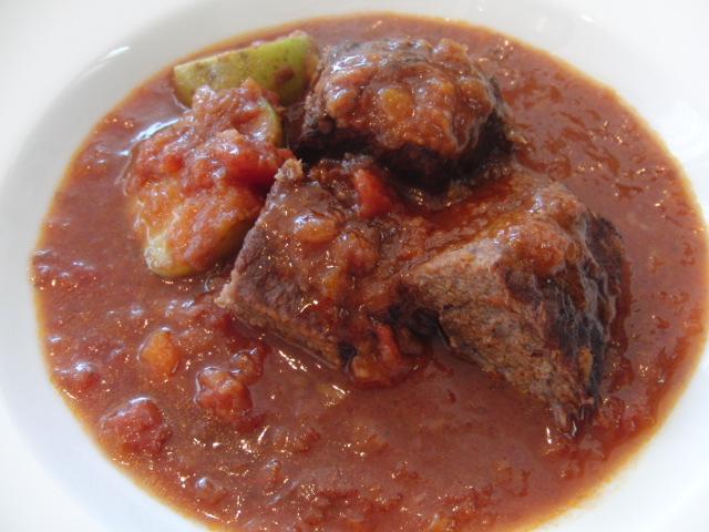 牛肉の赤ワイン煮こみ キャンティ