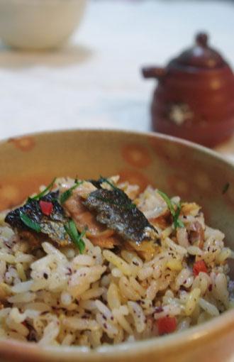 秋刀魚と貝割れ大根の混ぜご飯