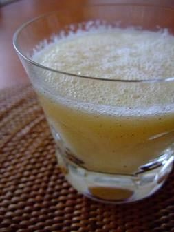 キウイと梨の美肌ジュース