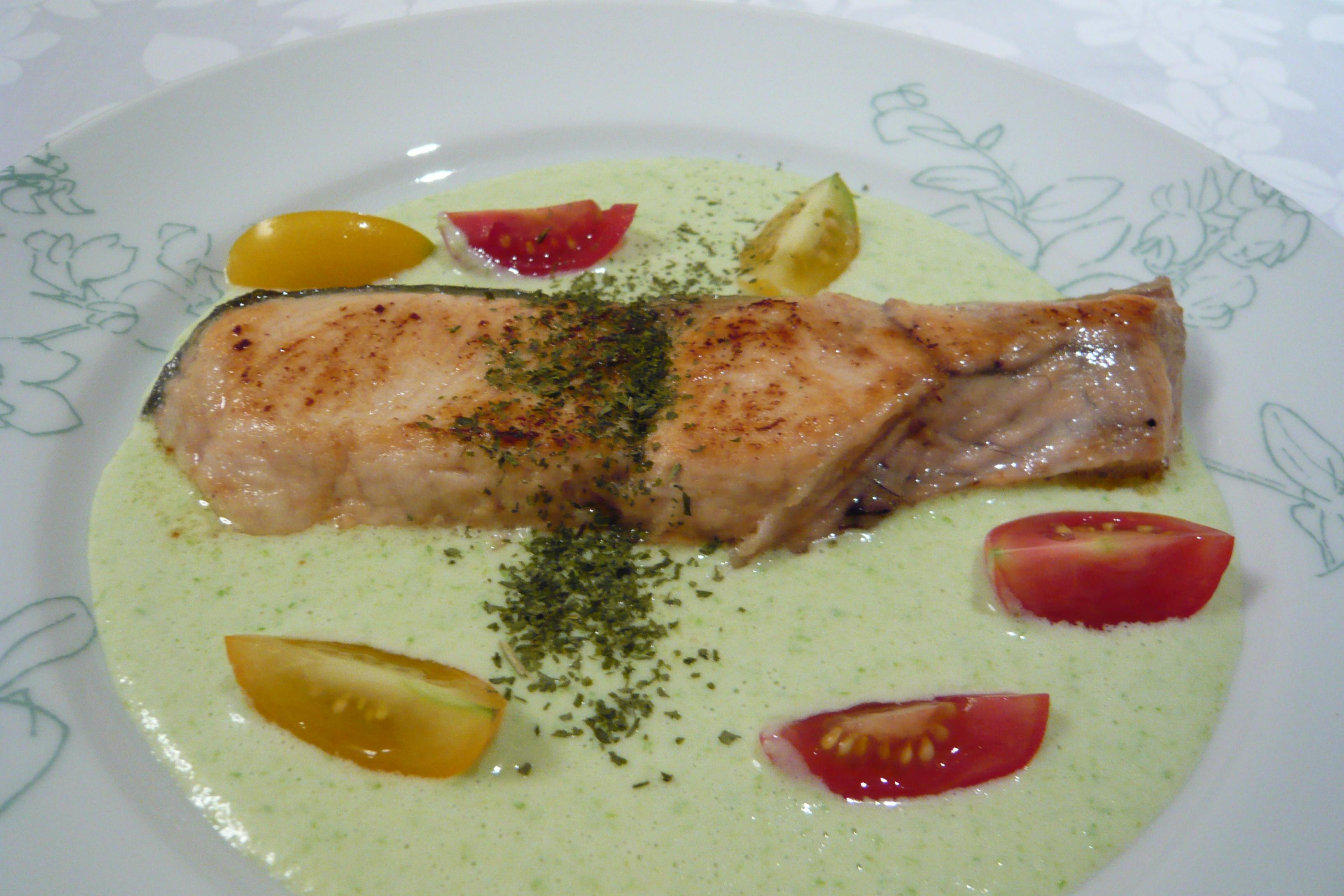 鮭のムニエルとグリーンアスパラガスのソースを添えて 石田 ゆかり先生