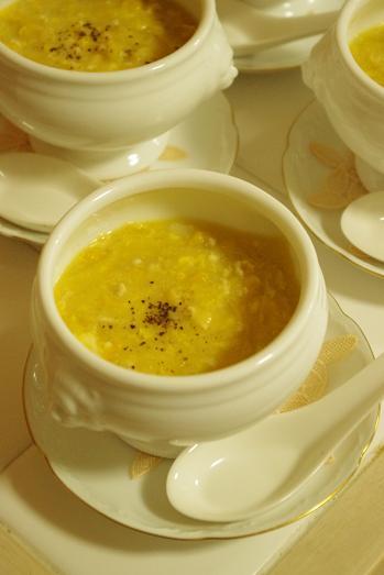 コーンクリームの中華スープ