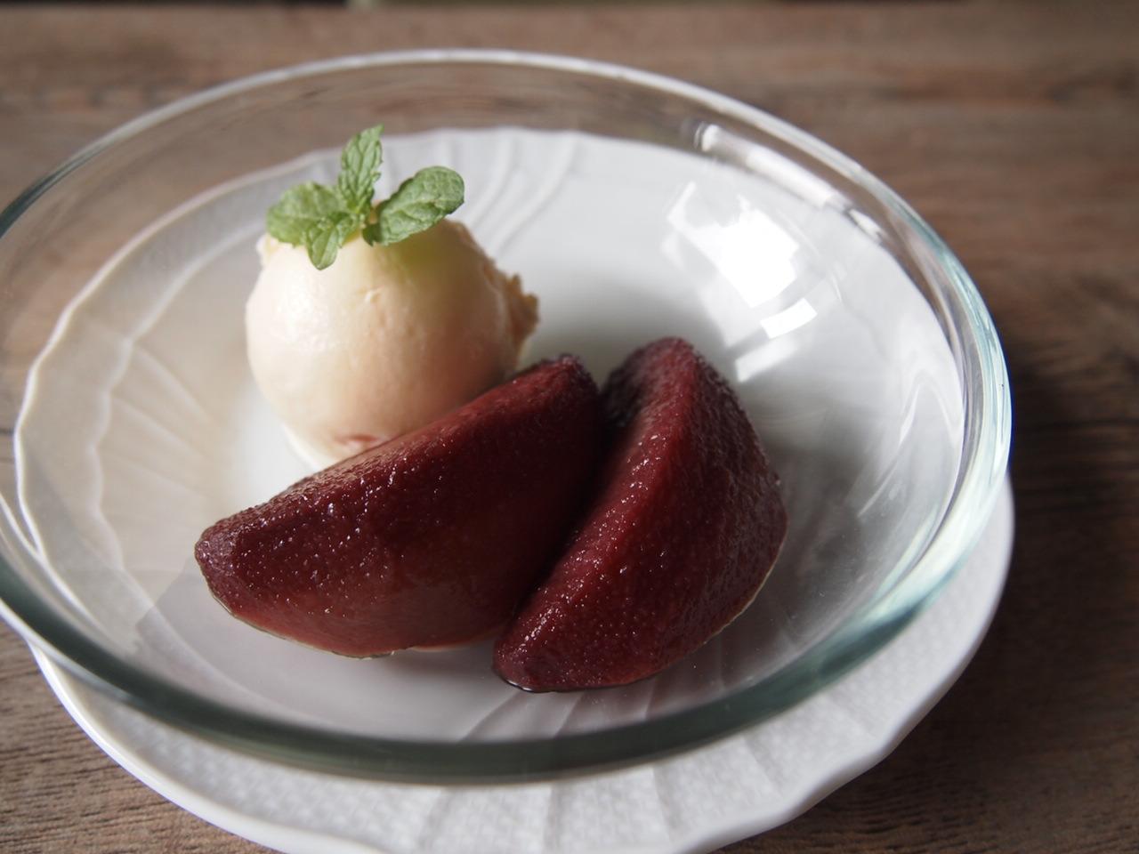 梨の赤ワインコンポート ローズヒップ風味