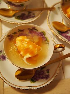 梨のゼリー キャラメルアイス添え
