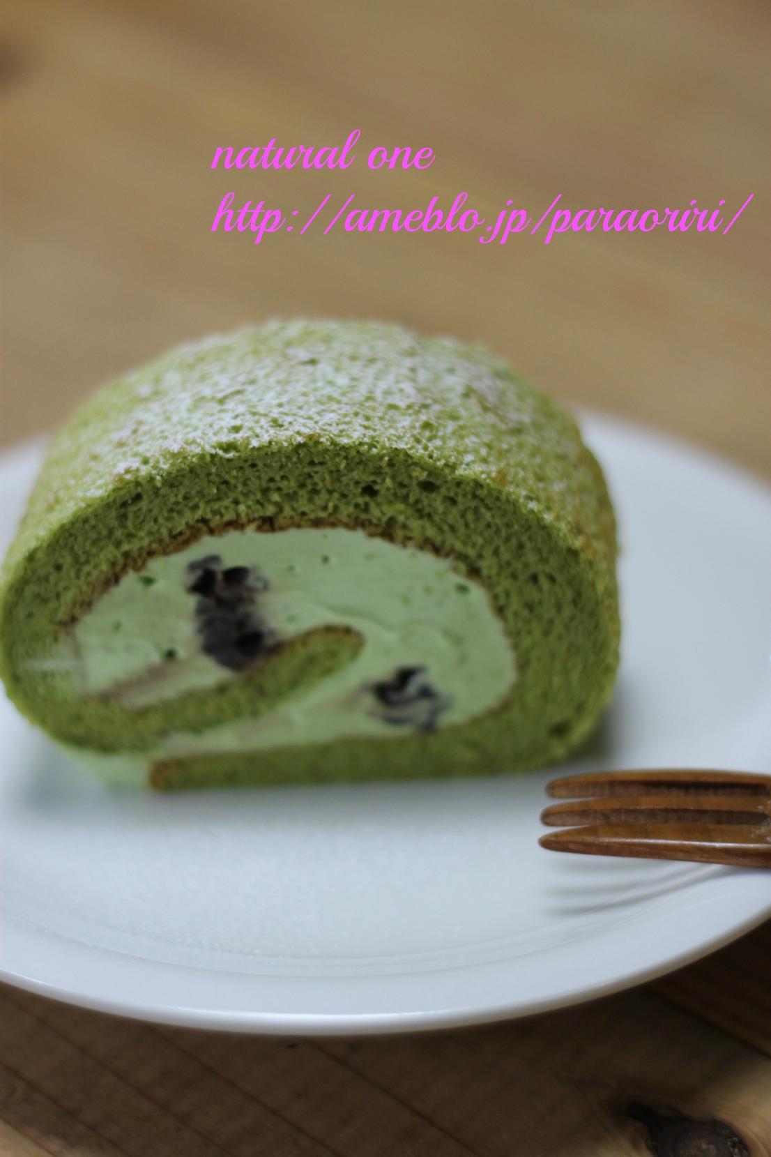 抹茶とあずきのロールケーキ