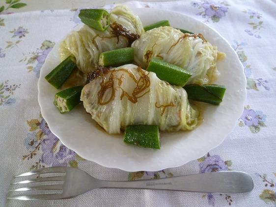 鰹だしつゆもずく入りロール白菜