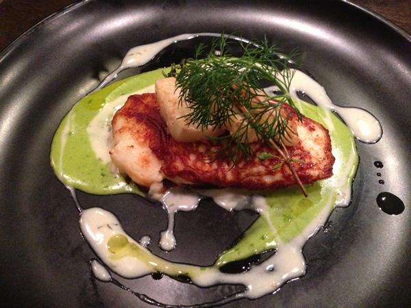 白身魚とホタテのムースのグリル
