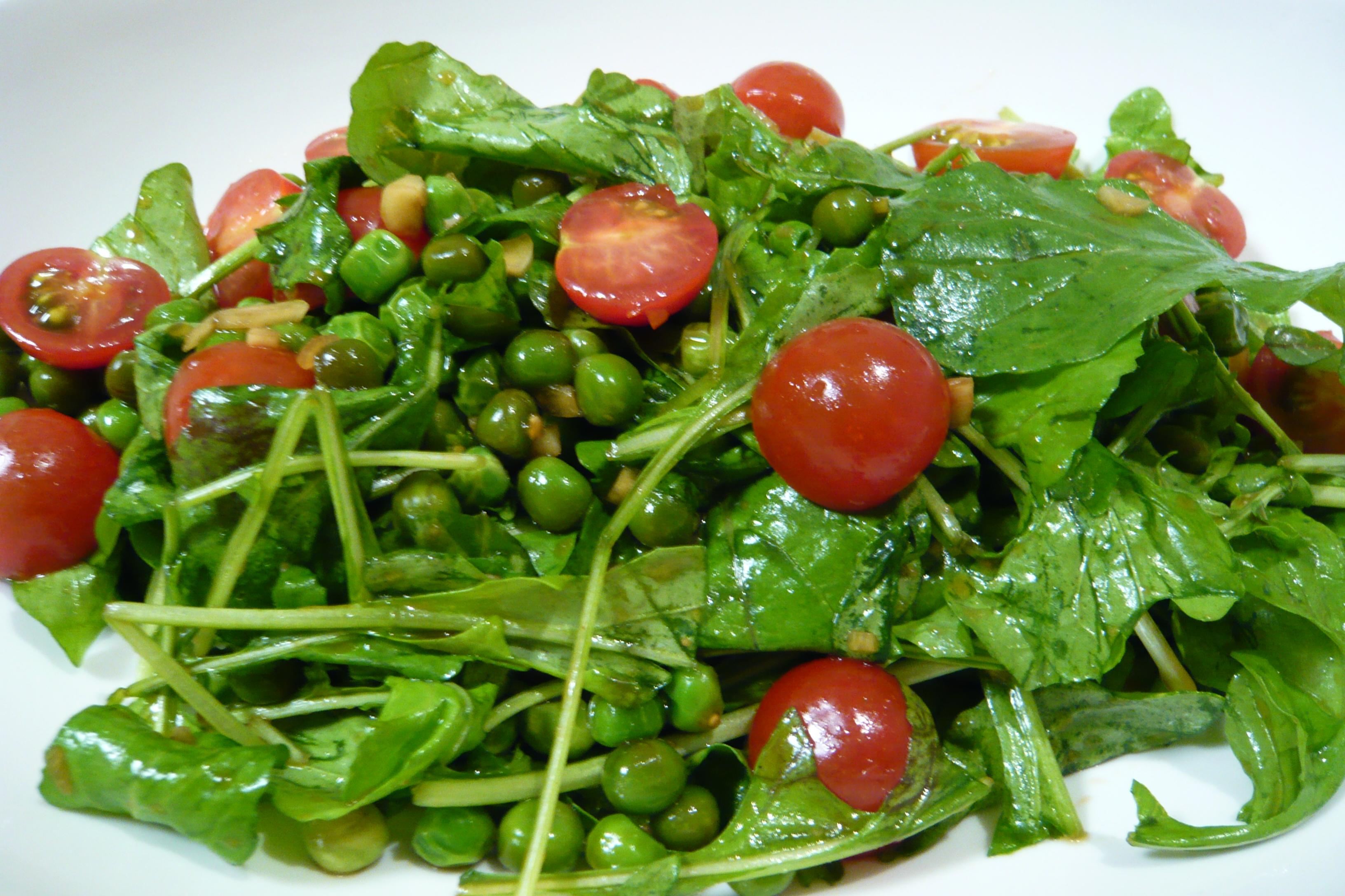 ルッコラとグリーンピースの炒めサラダ