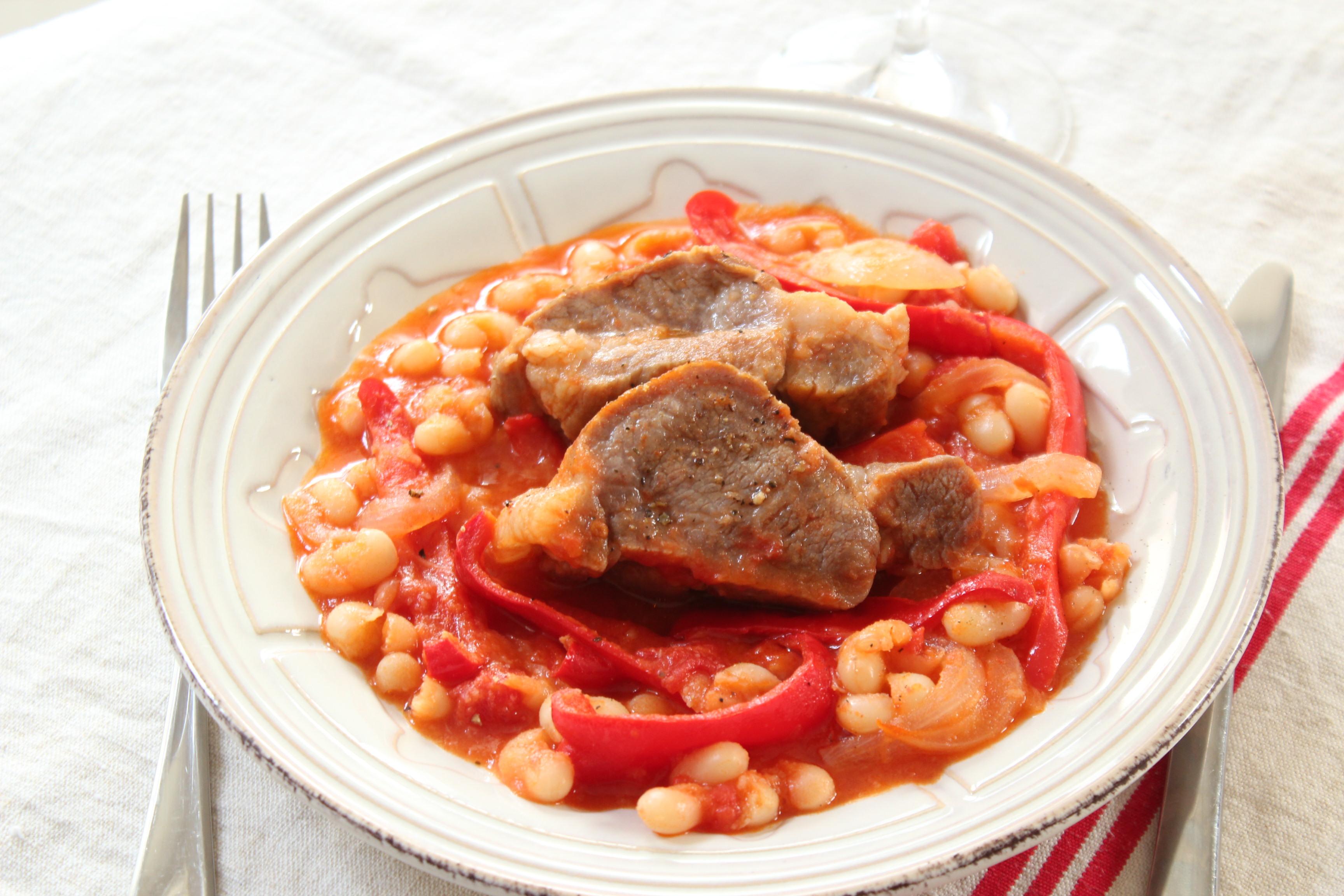 豚肉とパプリカ、インゲン豆のブレゼ