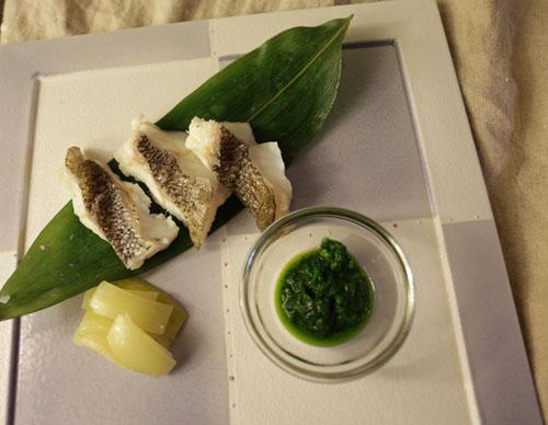 旬の魚と野菜のせいろ蒸し 春菊ソースを添えて