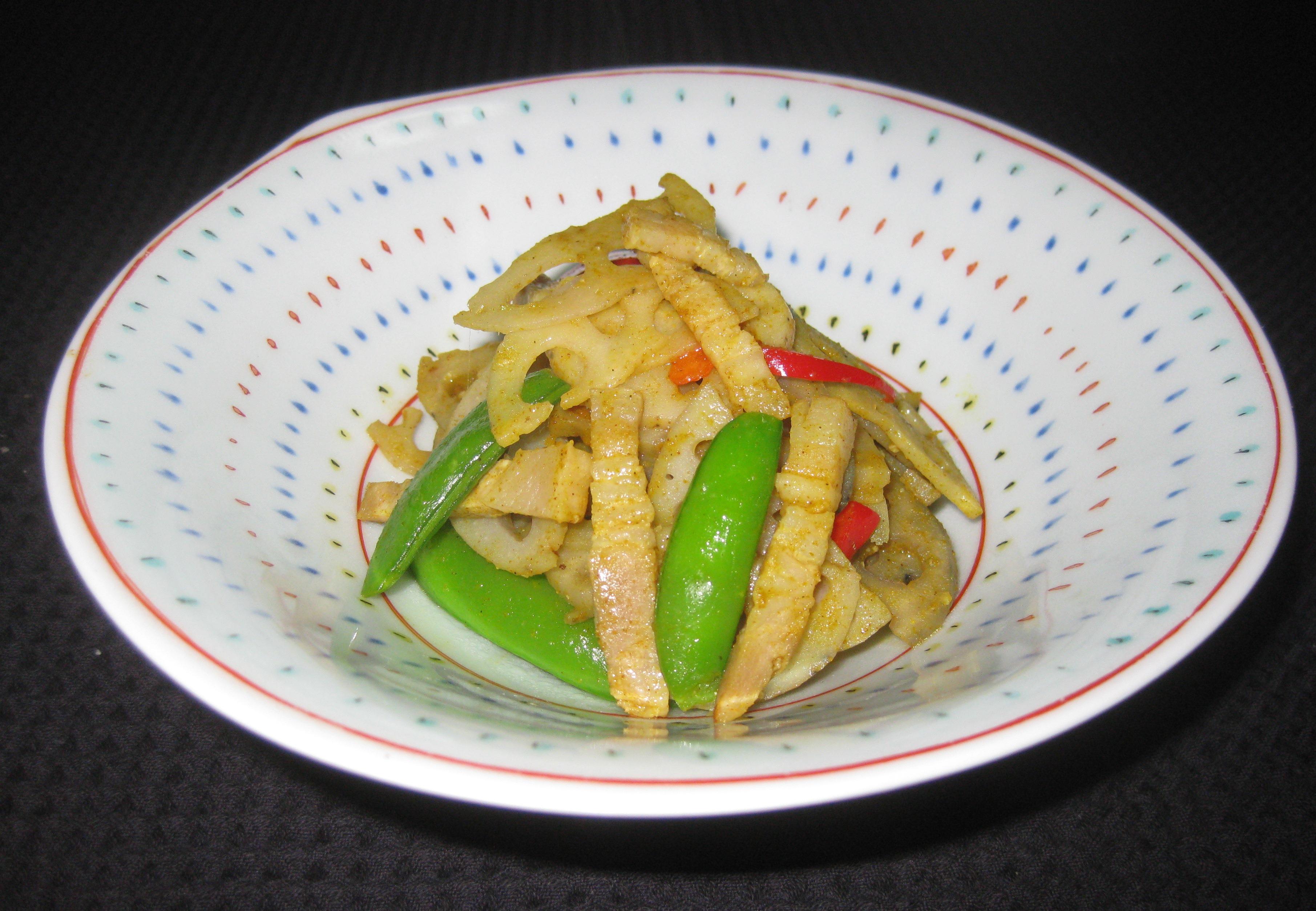 蓮根とベーコンのカレー風味炒め