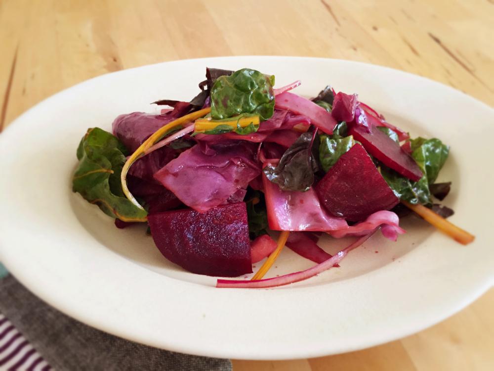 ビーツと紫キャベツの和えサラダ