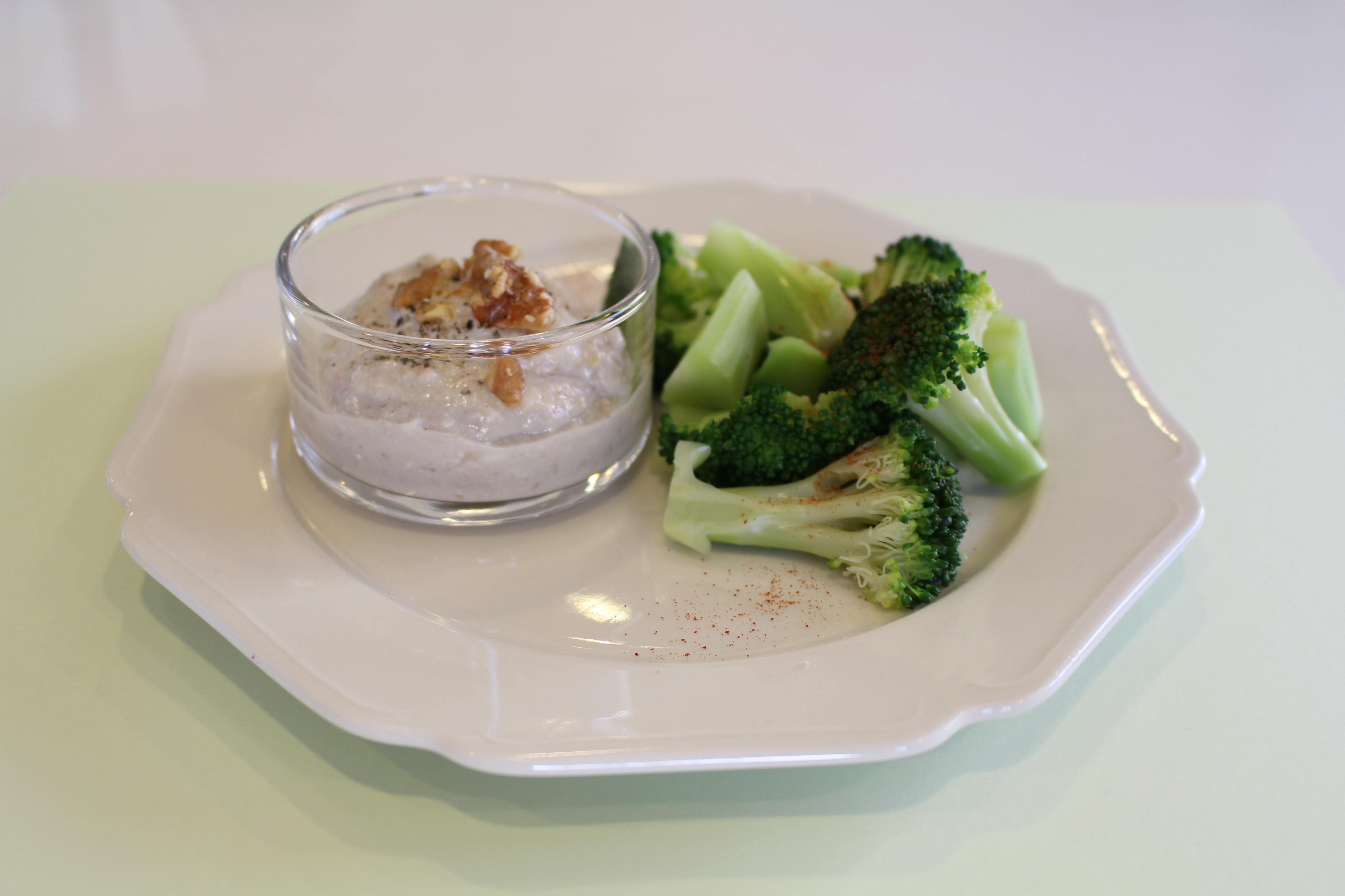 ブロッコリーの豆腐ディップ