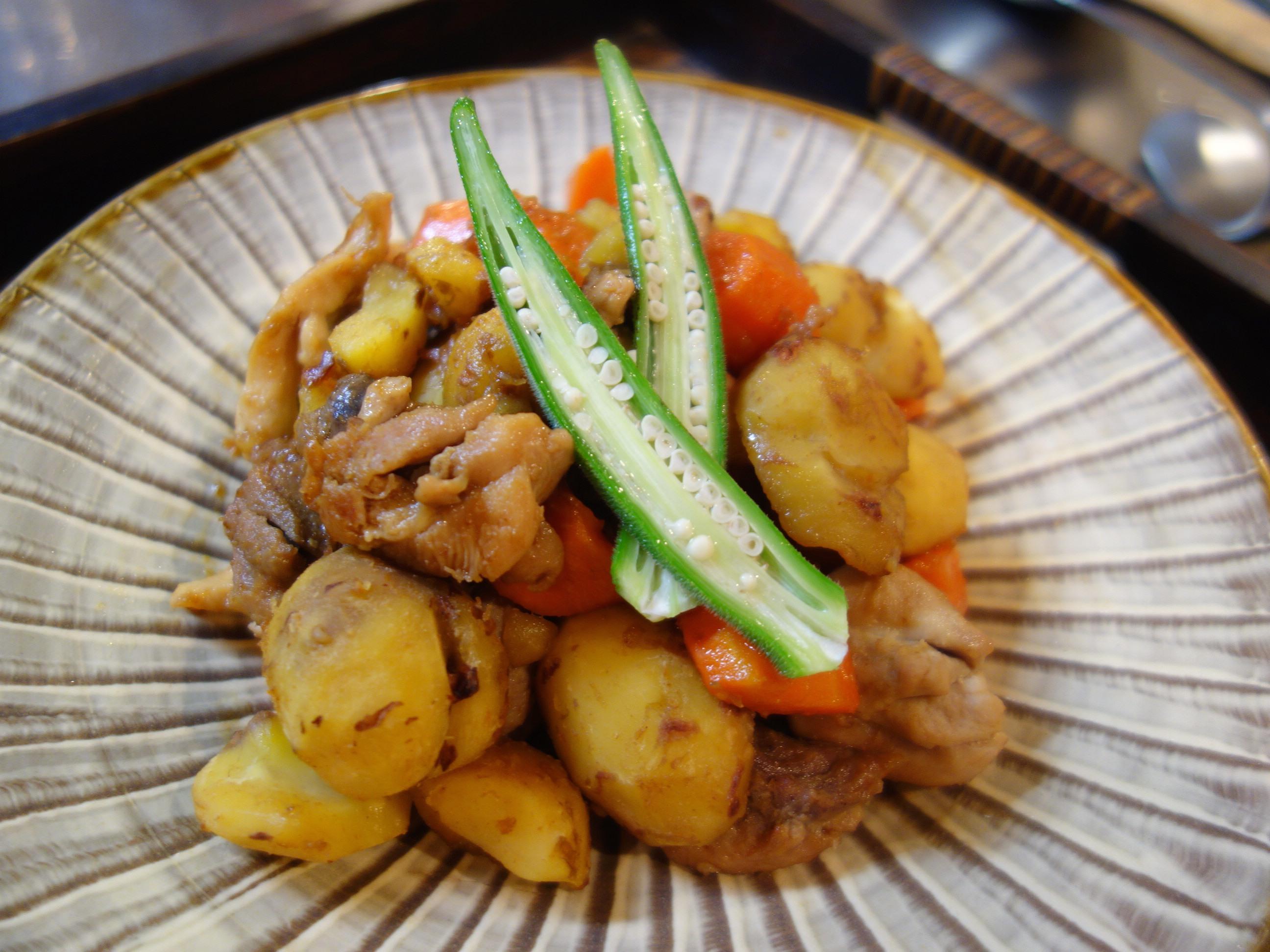 元気になる 栗と鶏もも肉の薬膳うま煮