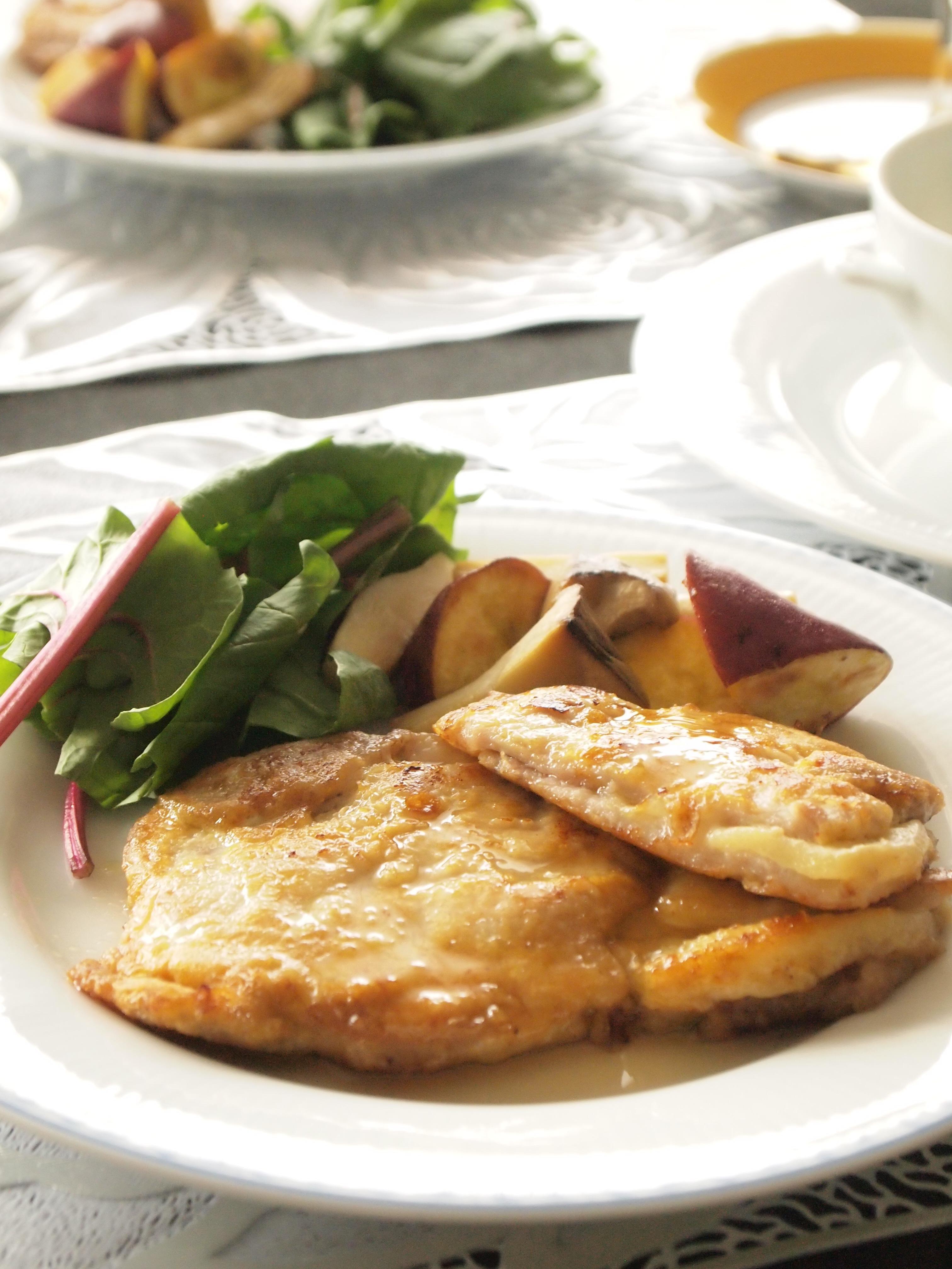 ノルマンディ風りんごとカマンベールのポークソテー