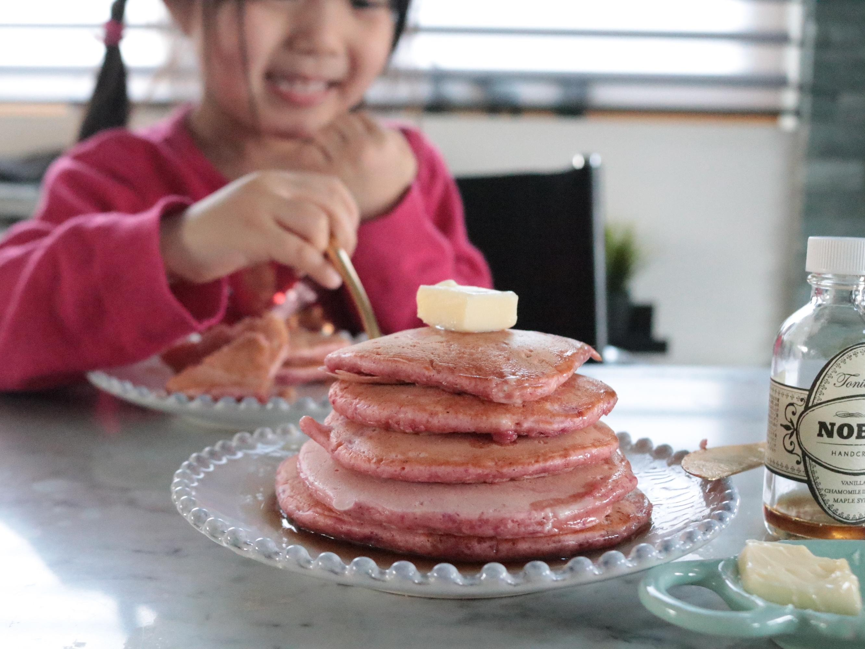 インスタ映え!フォトジェニックなピンクパンケーキ