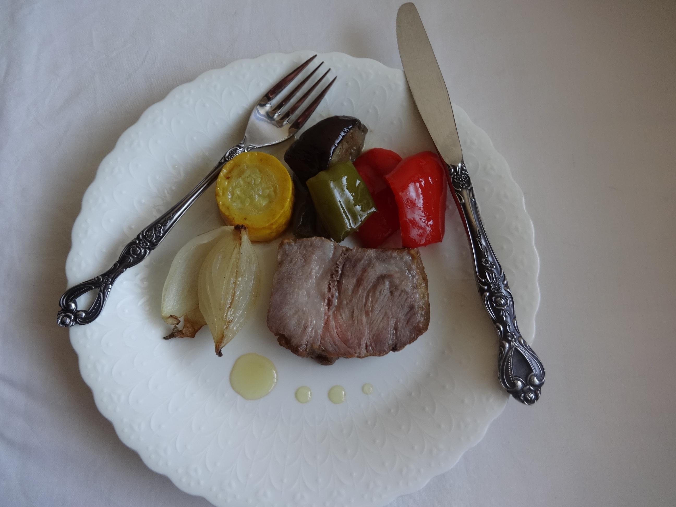ハイライフポーク・肩ロースと夏野菜のロースト