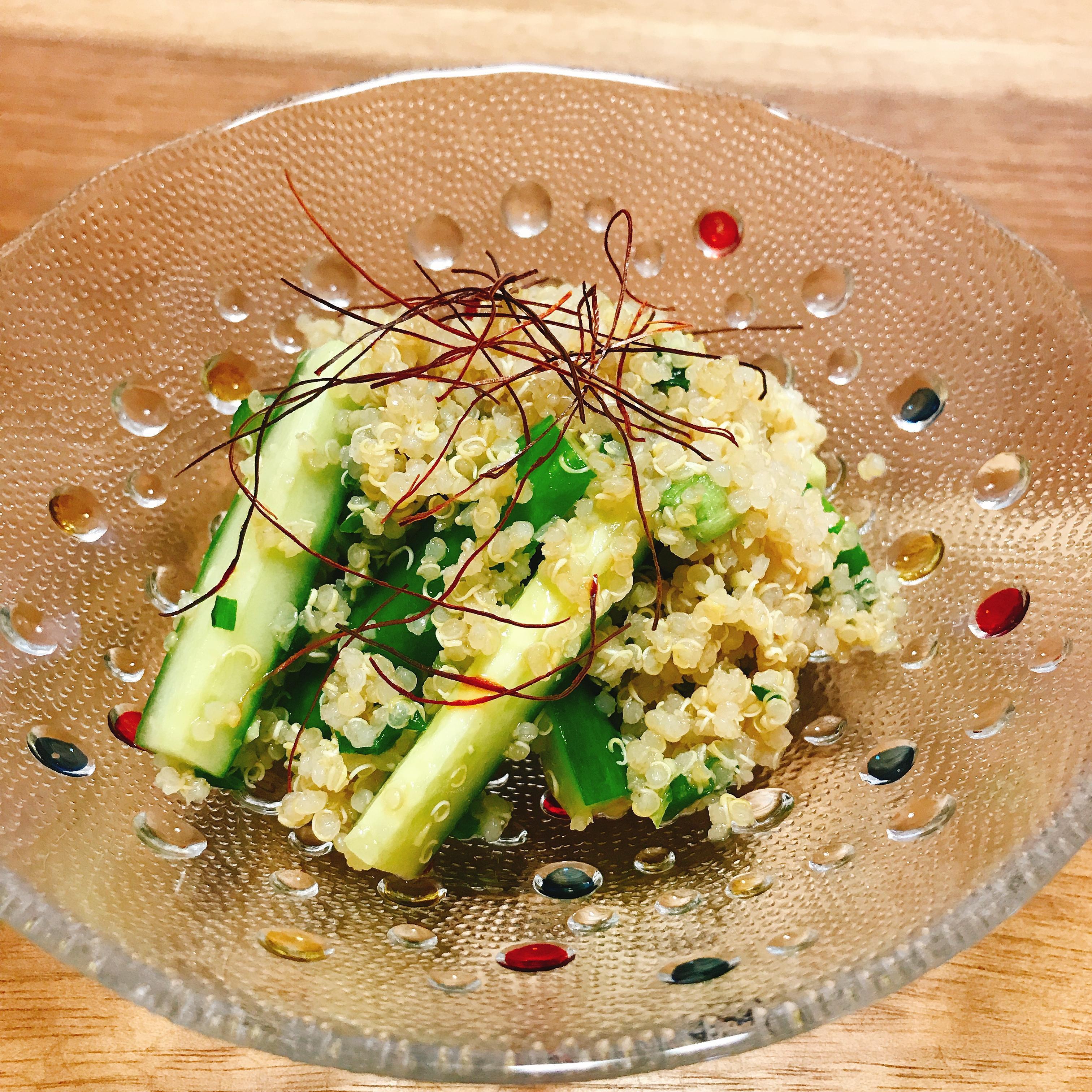 炊飯器で炊く!キヌアときゅうりの中華風サラダ