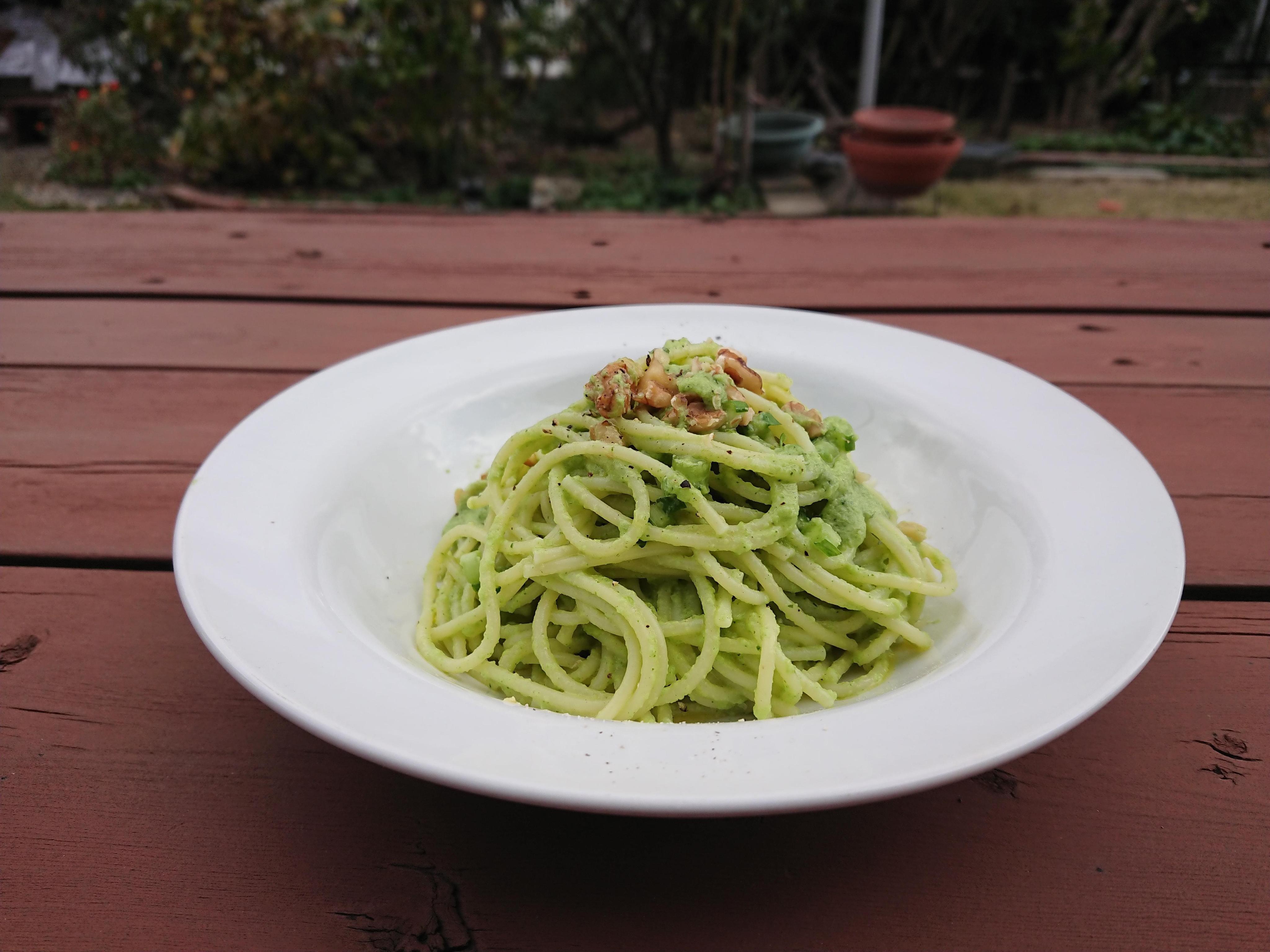 Pasta・かぶの葉のサルサヴェルデ